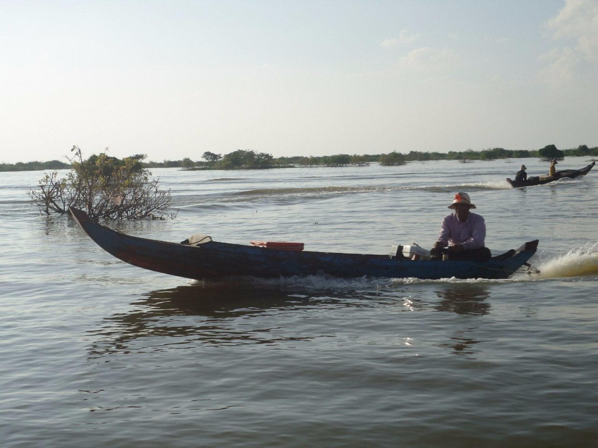 Сиам Рип, озеро Тонлесап ихрамовый комплекс Ангкор-Ват.