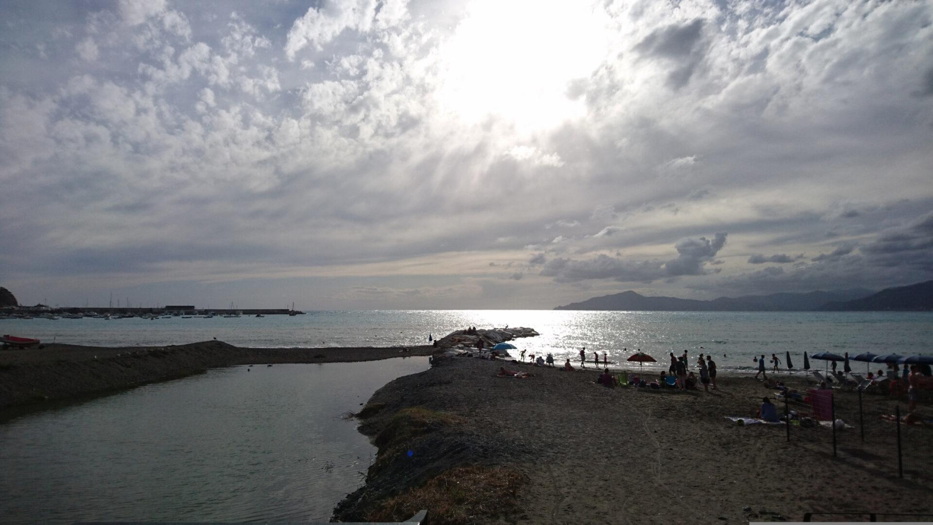 Лигурийское побережье стелефона.