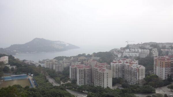 Гонконг. остров Гонконг, небоскребы ибританские деревушки