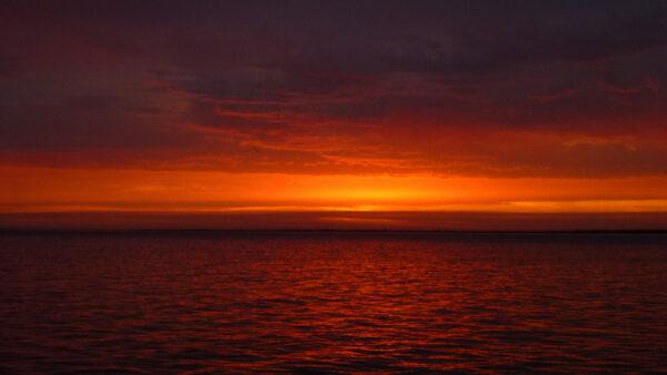 Восход солнца над Волгой