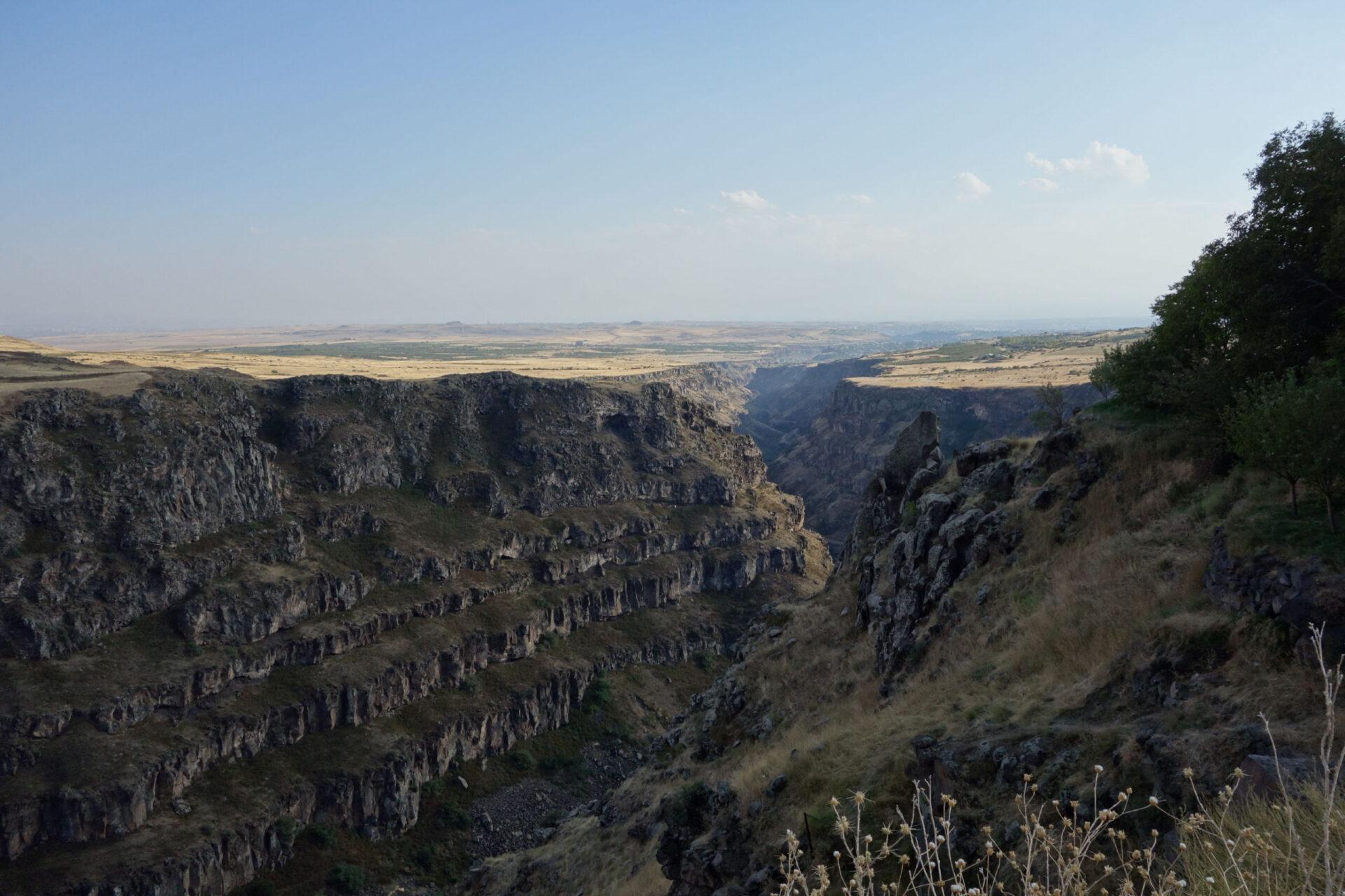 Армения. 1400км наавто. Часть 3. Монастыри Сагмосаванк иОванаванк