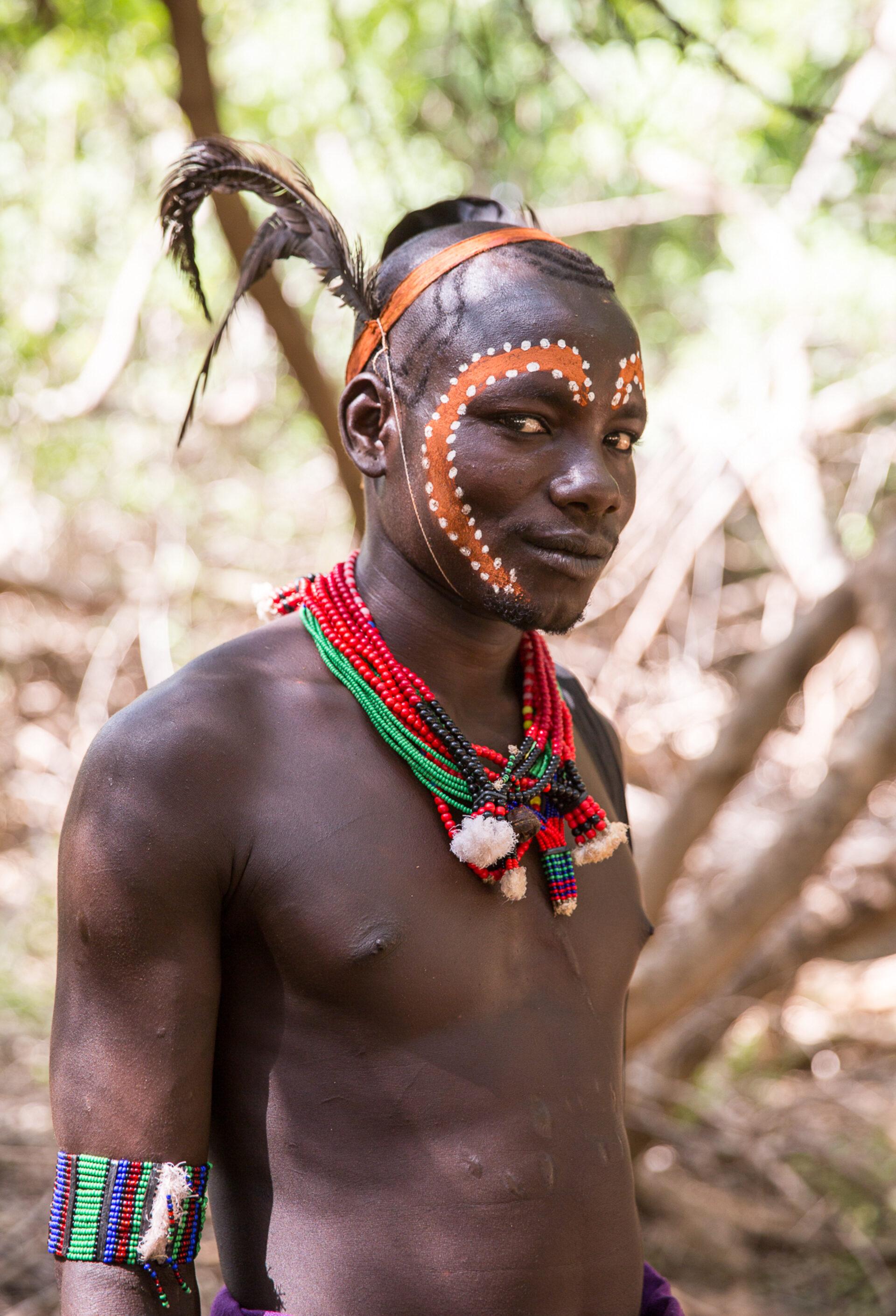 Племена долины Омо: Хамеры иПрыжки через быков
