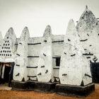 «Larabanga Mosque» Древняя мечеть ижизнь вокруг
