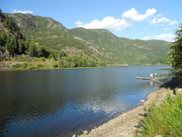 Норвегия. Вода искалы, скалы ивода.